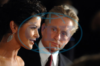 Catherine ZETA-JONESOVÁ,  (Jones),  Michael DOUGLAS