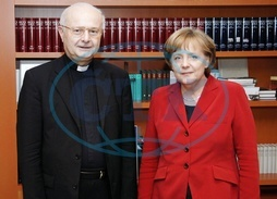 Merkel,  Angela - Politician,  CDU,  Chancellor of Germany - and Robert Zollitsch,  Archbishop of Freiburg,  Leader of the German Catholic Bishops - 04.03.2008  For-commercial-use-please-contact-ullstein-