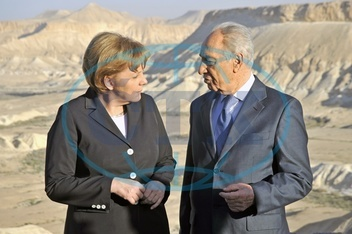 Merkel,  Angela - Politician,  CDU,  Chancellor of Germany - visiting Israel,  with president Shimon Peres in the Negev - 16.03.2008