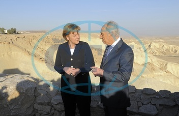 Angela Merkel - Politician,  CDU,  Chancellor of Germany - visiting Israel,  with president Shimon Peres - 16.03.2008  For-commercial-use-please-contact-ullstein-bild!