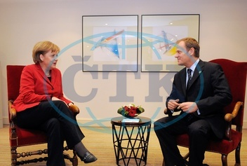 Angela Merkel - Politician,  CDU,  Chancellor of Germany - and Donald Tusk,  prime minister of Poland - 14.03.2008  For-commercial-use-please-contact-ullstein-bild!
