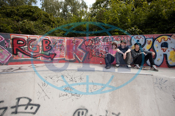 teenager, skejťák,  skateboard,  skatepark,  graffiti