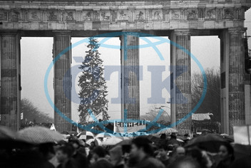 GDR - Open Brandenburg Gate