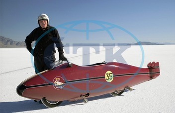 THE WORLD'S FASTEST INDIAN  [NZ / US / SWISS / JAP 2005] ANTHONY HOPKINS as Burt Munro