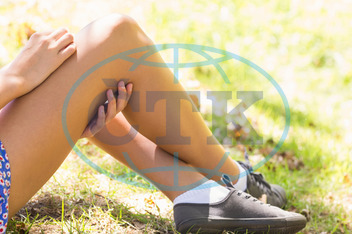 Young Adult, Woman, Female, Caucasian, Outdoors, Park, Countryside, Nature, Parkland, Lawn, Green, Grass, Grassland, Leisure, Lifestyle, Stylish, Casual, Hipster, Content, Carefree, Enjoying,  Spare Time, Free Time, Activit
