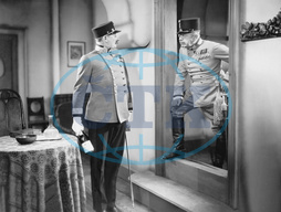 Alexander Roda Roda und Vlasta Burian in 'Fake Field Marshal',  1930