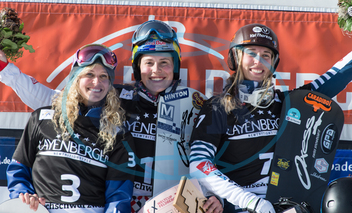 Eva Samková,  snowboardistka,  sportovkyně,  gesto,  radost now boarding Cross World Cup in Feldberg