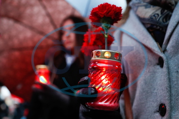 Mourning St Petersburg Metro explosion victims