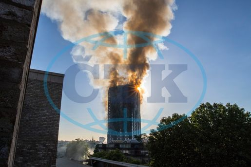 Tower block fire in London, Grenfell Tower,  požár