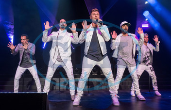 AJ McLean,  Howie Dorough,  Nick Carter,  Kevin Richardson,  Brian Littrell