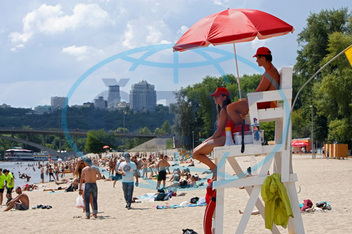 Lifeguards on duty in Kyiv's Hidropark