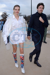 Natalia Vodianova,  modelka,  Antoine Arnault,  manžel,  Louis Vuitton Paris Men Autumn Winter 2019