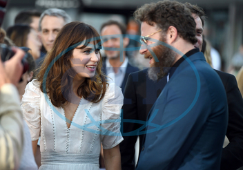 Zooey Deschanel,  herečka,  Seth Rogen,  herec,  producent