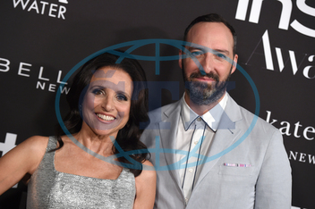 Julia Louis-Dreyfus,  herečka,  Tony Hale