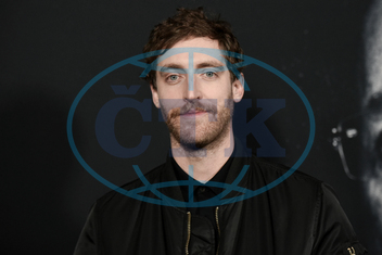 Thomas Middleditch,  herec