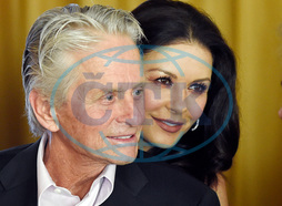 Kirk Douglas,  Catherine Zeta-Jones