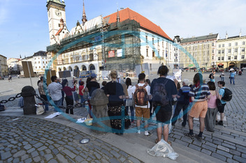 Němý protest,  demonstrace,  lidé,  Olomouc,  centrum
