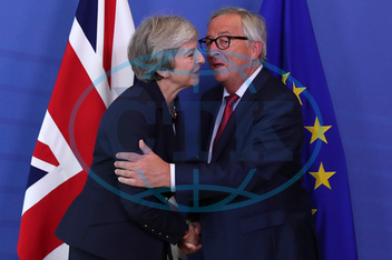 THERESA MAYOVÁ,  JEAN-CLAUDE JUNCKER