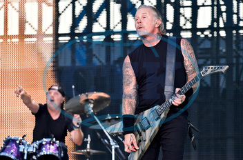 JAMES HETFIELD,  kytarista,  zpěvák,  Metallica