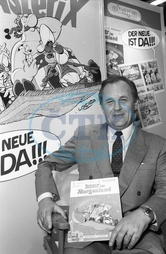 Albert Uderzo,  Graphic Artist,  Cartoonist,  France - illustrator of Asterix and Obelix,  at the book fair in Frankfurt - 01.10.1987  No-commercial-use!