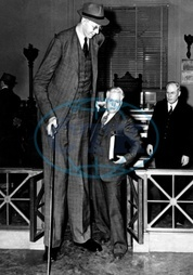 Robert Wadlow,  2.80 m tall,  Illinois USA