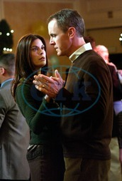 DESPERATE HOUSEWIVES Series#1/Episode#13/Your Fault TERI HATCHER as Susan Mayer,  MARK MOSES as Paul Young DESPERATE HOUSEWIVES