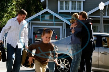 DESPERATE HOUSEWIVES Series#1/Episode#13/Your Fault DOUG SAVANT as Tom Scavo,  SHANE AND BRENT KINSMAN as Porter and Preston Scavo