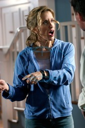 DESPERATE HOUSEWIVES Series#1/Episode#13/Your Fault FELICITY HUFFMAN as Lynette Scavo DESPERATE HOUSEWIVES