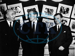 MURDER WITHOUT CRIME From left - Producer VICTOR SKUTEZKY,  KENNETH HARPER of Linnett and Dunfee Ltd,  Director J LEE THOMPSON From left - Producer VICTOR SKUTEZKY,  KENNETH HARPER of Linnett and Dunfee