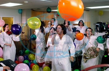 """SCRUBS Series#3/Episode#19/ """"My Choosiest Choice of All Tx: April 20,  2004 POLYPHONIC SPREE SCRUBS Series#3/Episode#19/"""