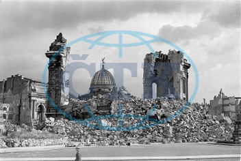End of the war - Destroyed Dresden 1945 - 1955