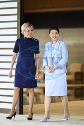 Imperial Couple Greets French Presidential Couple - Tokyo
