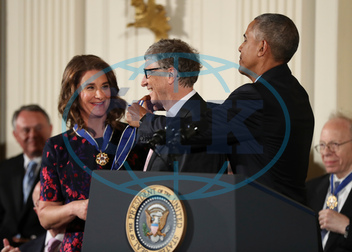 BARACK OBAMA,  BILL GATES,  MELINDA GATESOVÁ