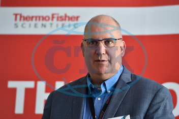 ROB KRUEGER,  viceprezident,  Thermo Fisher Scientific